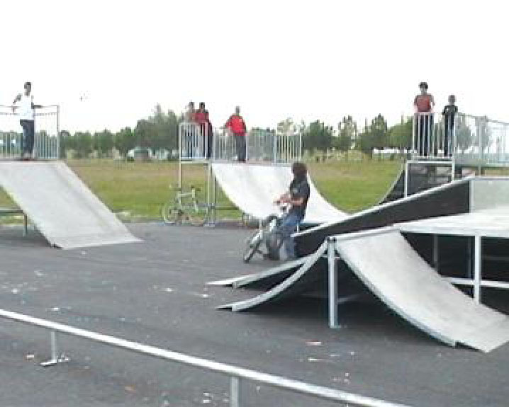 skateparks france skatepark de vendin le vieil. Black Bedroom Furniture Sets. Home Design Ideas