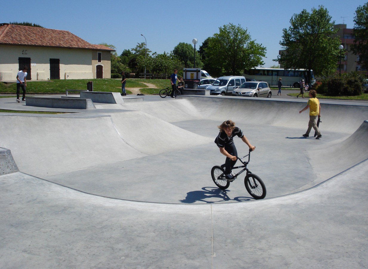 skateparks france skatepark de saint paul les dax. Black Bedroom Furniture Sets. Home Design Ideas